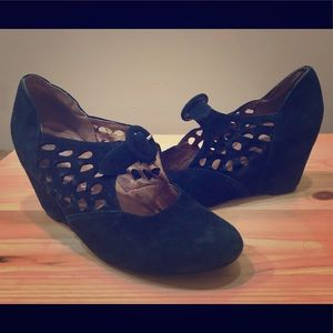 Jeffrey Campbell Black Dress Shoes Wedges Pumps 7